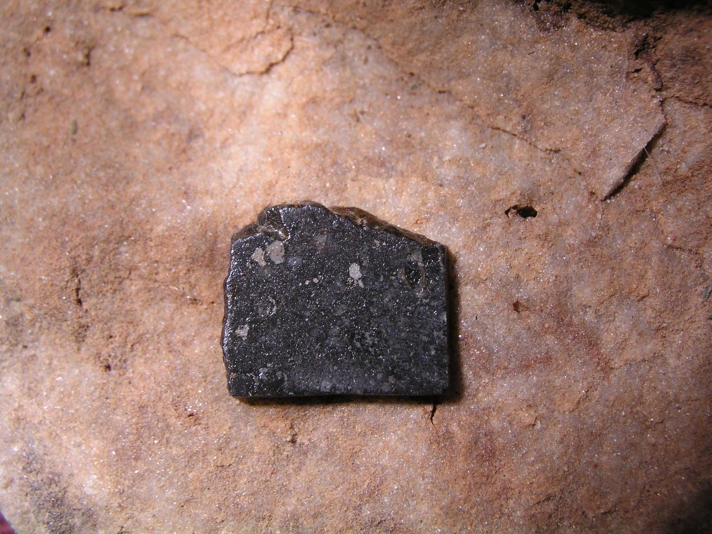 Photo Larry Atkins - meteorites under the scope study - Ghubarra